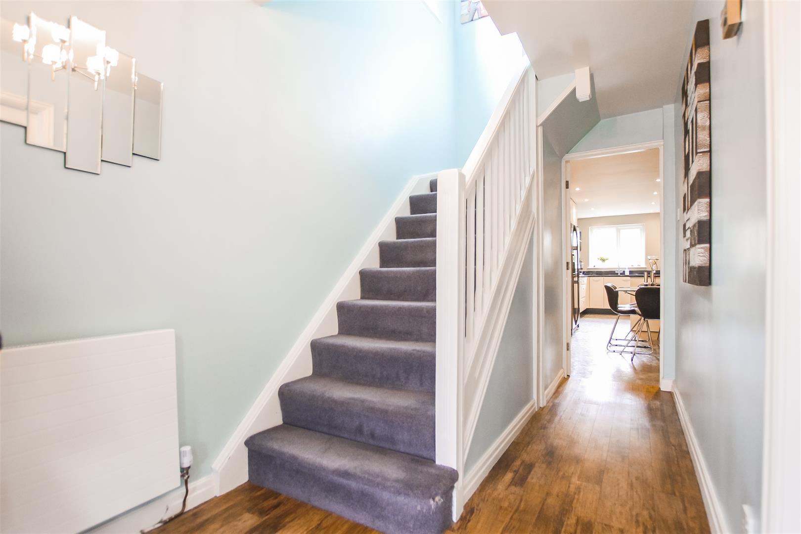 4 Bedroom Detached House For Sale - Image 9